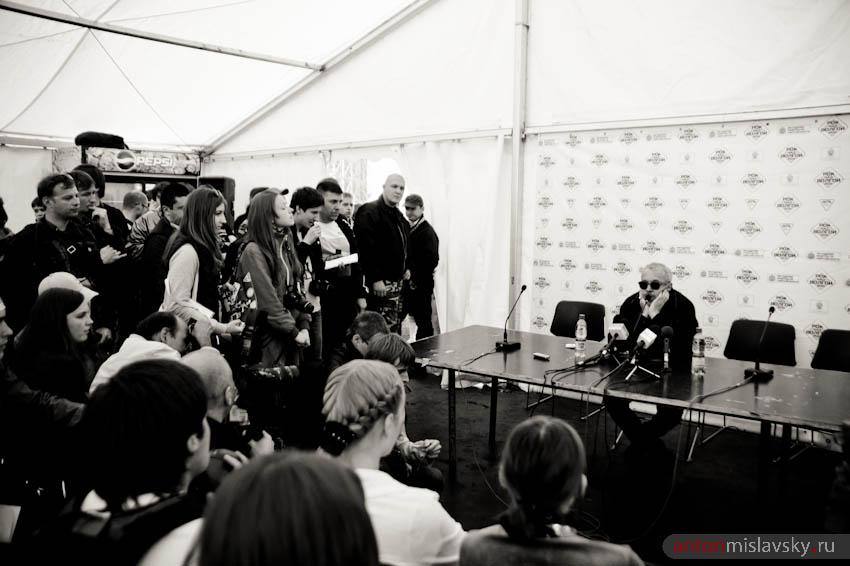 Рок над Волгой 2011. Самара. Макаревич на пресс-конференции