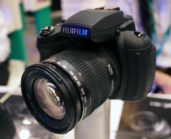 Гаджет дня: фотоаппарат-суперзум