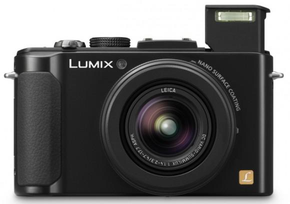 Компактный фотоаппарат Panasonic Lumix DMC-LX7 со светосилой F1.4—F2.3