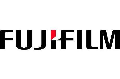 «Фуджифилм» представила две новые фотокамеры