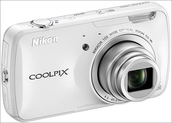 Nikon представила «умную» фотокамеру Coolpix S800c