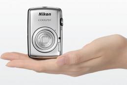 Миниатюрная и яркая фотокамера Nikon Coolpix S01