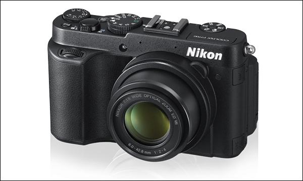 Nikon Coolpix P7700: 12-мегапиксельный фотоаппарат с поворотным дисплеем