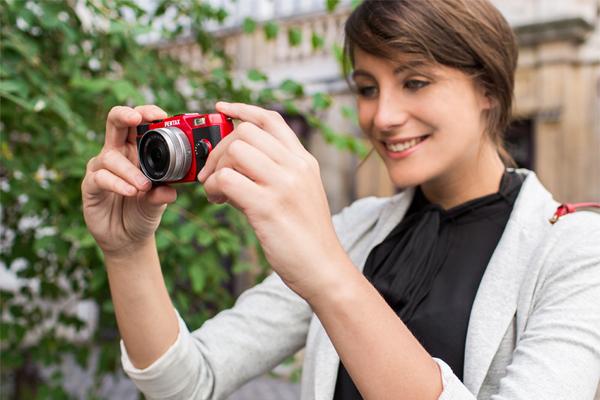Pentax Q10 — миниатюрная системная камера линейки Q
