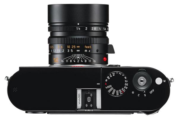 Leica представила 2 полноформатные камеры — M и М-E