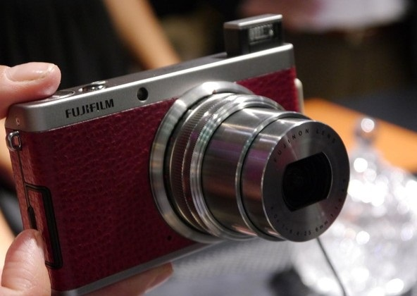 Fujifilm на Photokina 2012: беззеркалка X-E1 и стильный компакт XF1