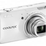 Nikon Coolpix S800c — первая Android-камера