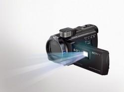Компания Sony представила на выставке CES 2013 обновление камер Handycam PJ