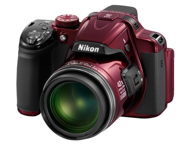 Nikon представил целую серию новых аппаратов Coolpix