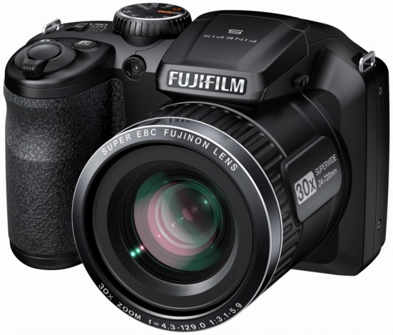 Компания Fujifilm представила новую модель фотокамеры с ультразумом — FinePix S4800