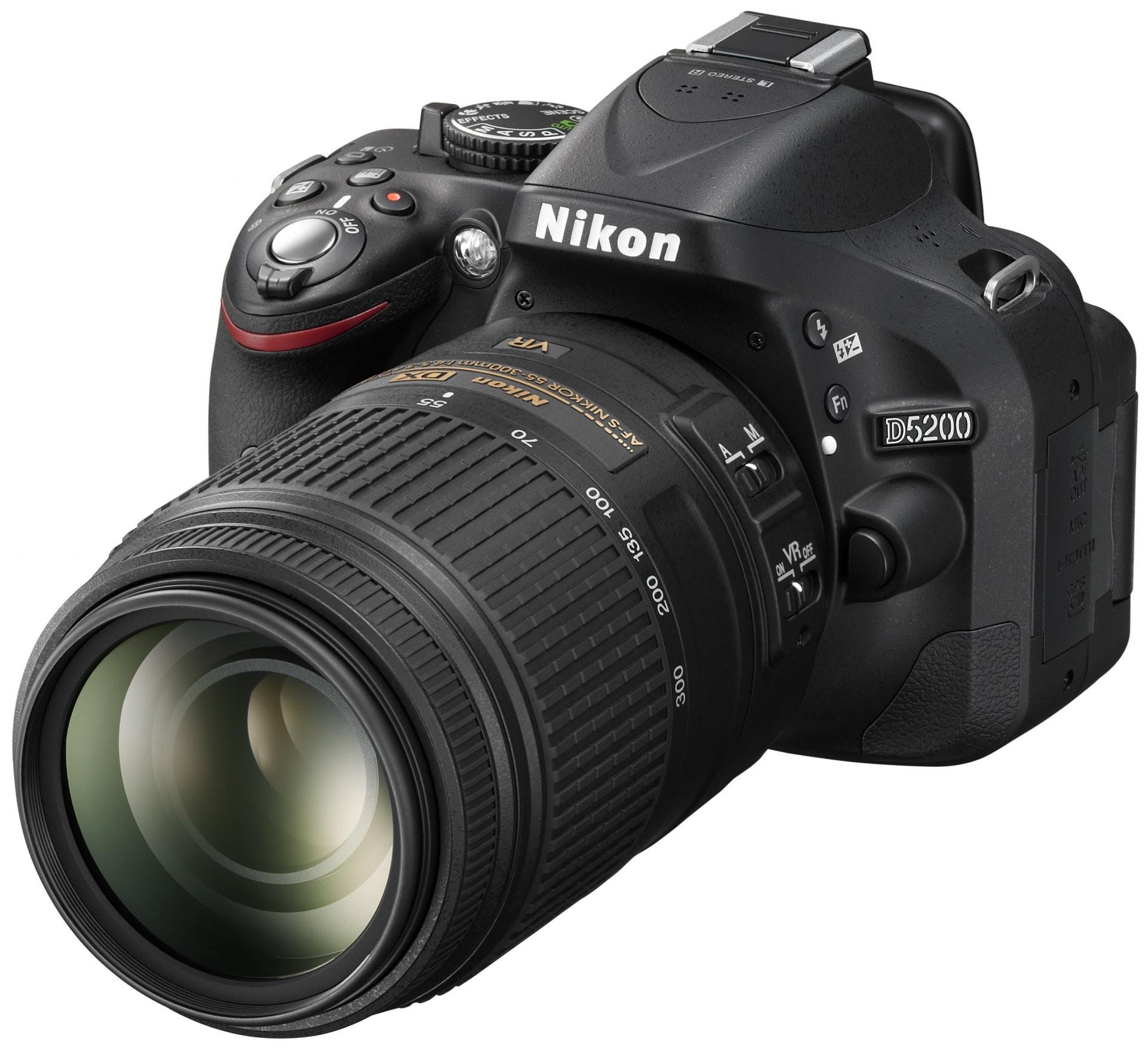 В Nikon постарались обновить D5100 так, чтобы никто не ругался на удобство и при этом не угробить продажи старших зеркалок. Получилось ли?