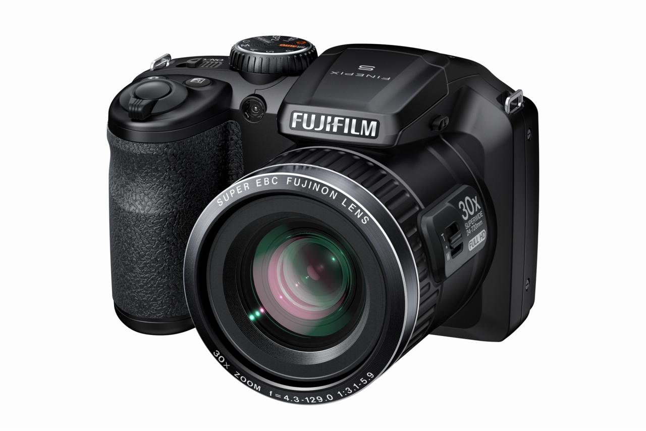 Компания  Fujifilm представила восемь новых камер