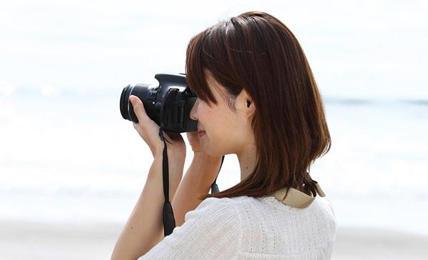 Появилась информация о новом зеркальном фотоаппарате EOS-b
