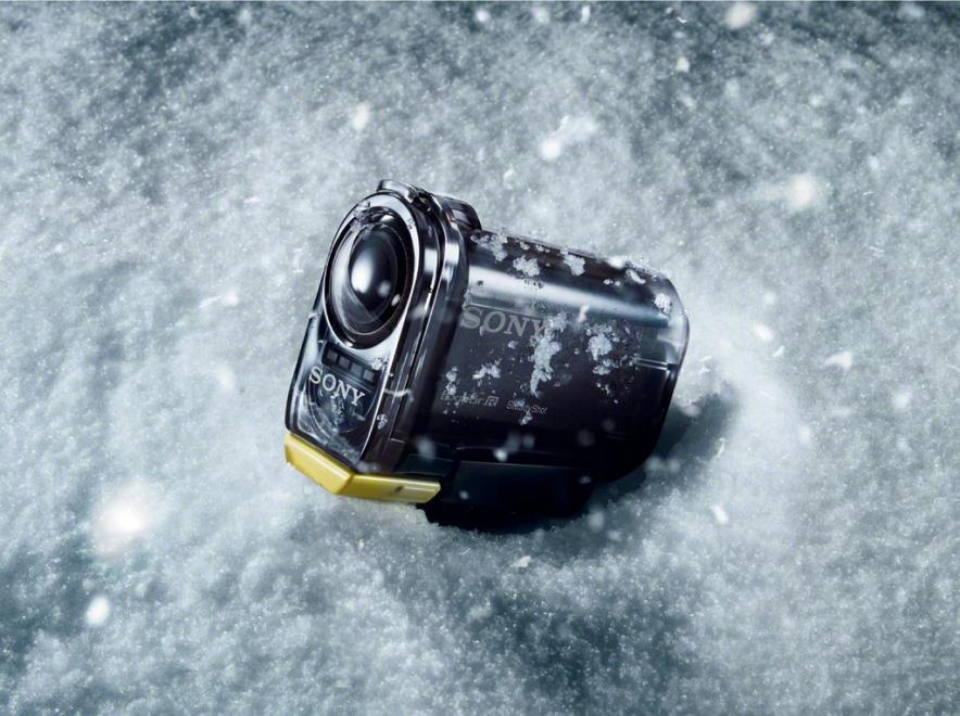 Sony анонсировала начало продаж компактной видеокамеры для экстремальной съемки и съемок «от первого лица» — Sony Action Cam.