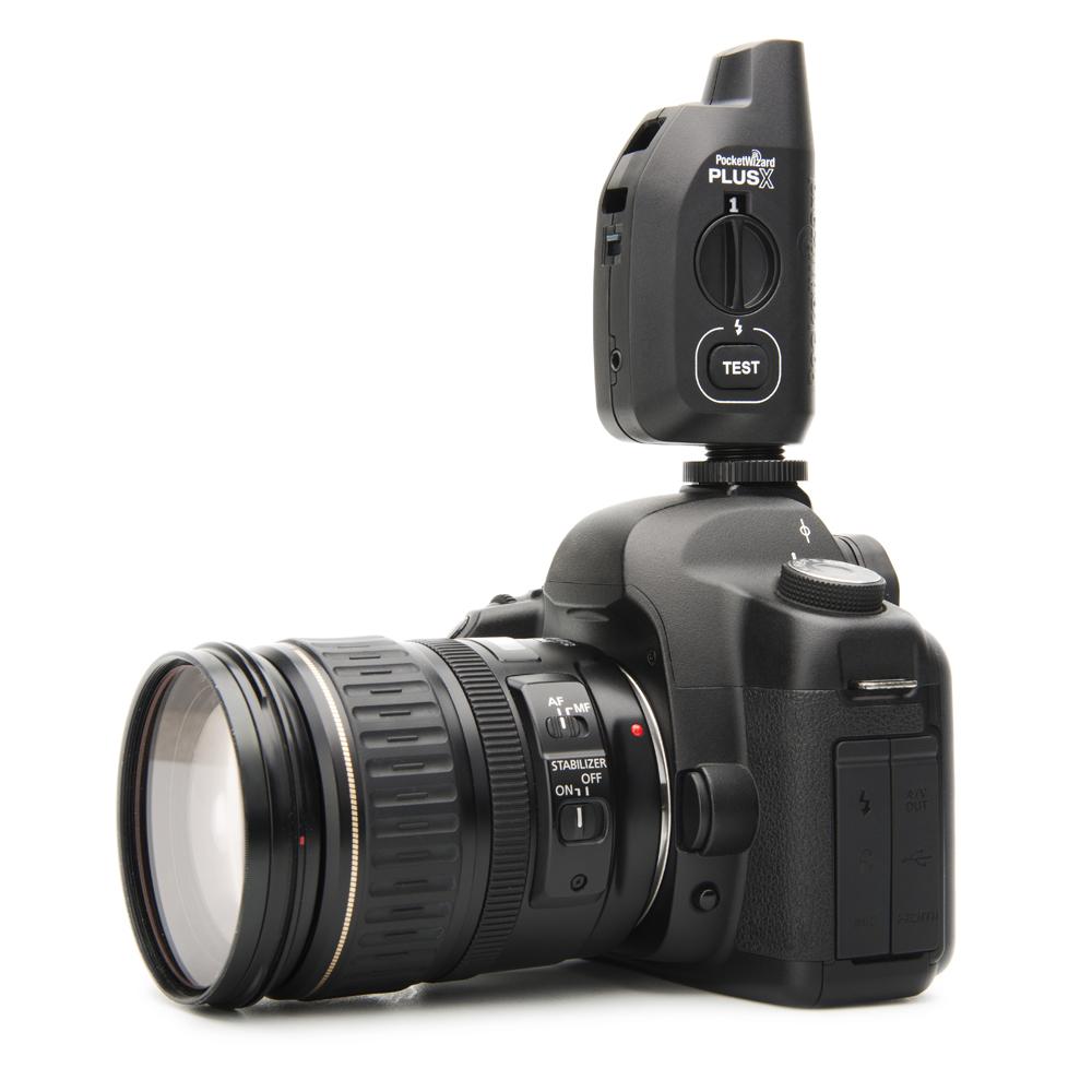 Универсальное устройство для беспроводного управления фотокамерой и вспышками предлагает компания PocketWizard