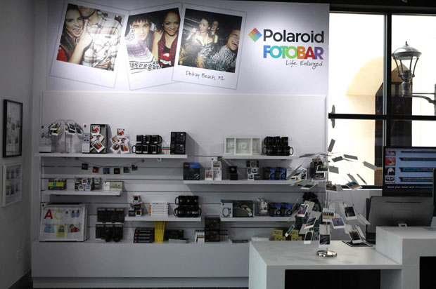 Открылся первый салон компании Polaroid