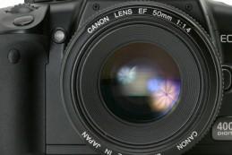 После ударного первого месяца 2013 г., в феврале производители цифровых фотокамер незначительно снизили объем выпуска готовых изделий