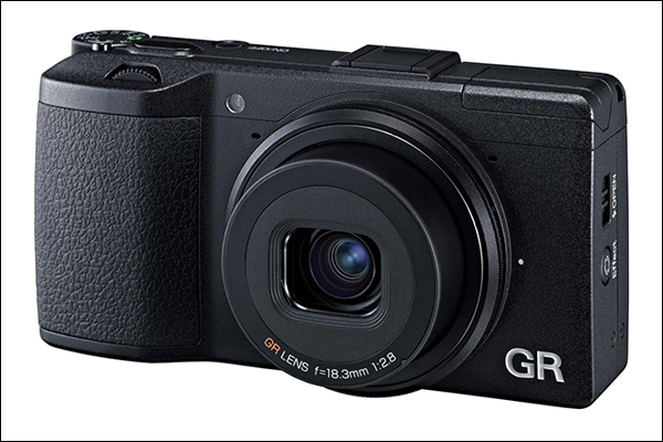 Компания Pentax Ricoh Imaging Americas Corporation анонсировала свою новую цифровую камеру Ricoh GR
