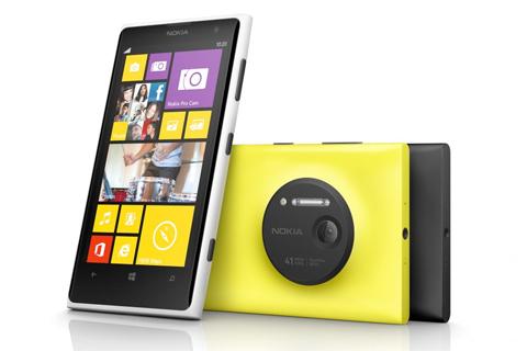 Nokia Lumia 1020 вышла из тени
