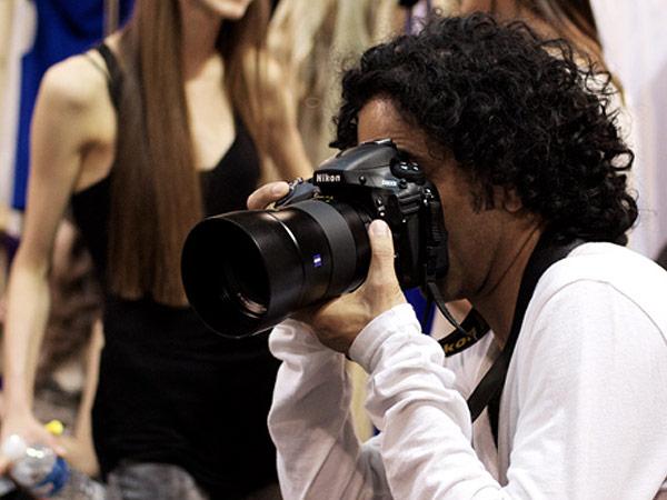 Zeiss выпустит первый объектив новой серии