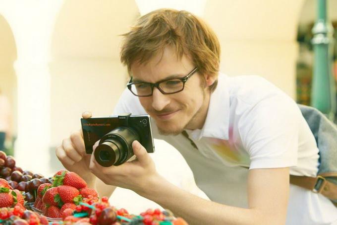 Sony готовит накладные камеры QX10 и QX100 для смартфонов