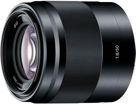 Одновременно с камерами Sony α3000 и Sony α NEX-5T Sony представила два объектива с байонетами E-mount