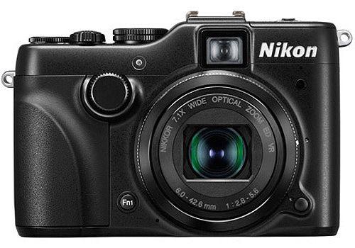 Хорошая фотокамера Nikon Coolpix р7100