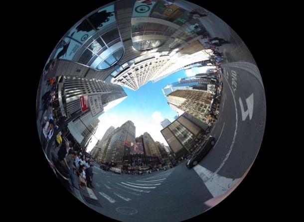 Камера Ricoh Theta для съёмки сферических панорам