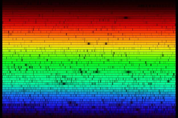 Национальная обсерватория США разложила солнечный свет на отдельные цвета и собрала вместе