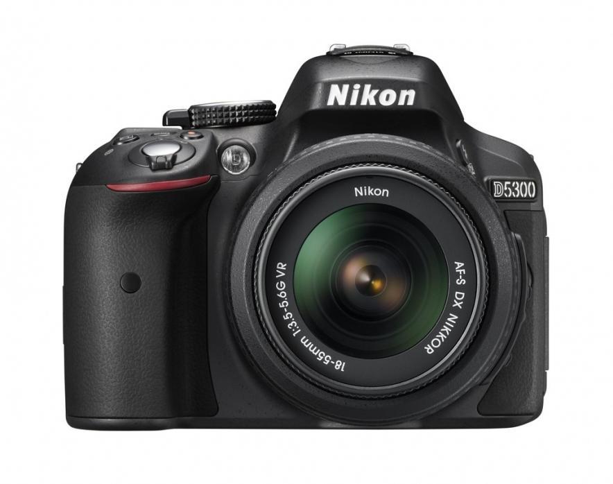 Зеркальная камера Nikon D5300