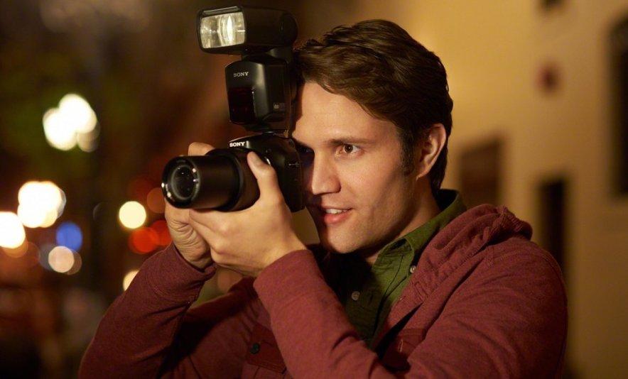Компания Sony анонсировала новую фотокамеру Cyber-shot DSC-HX400 в России