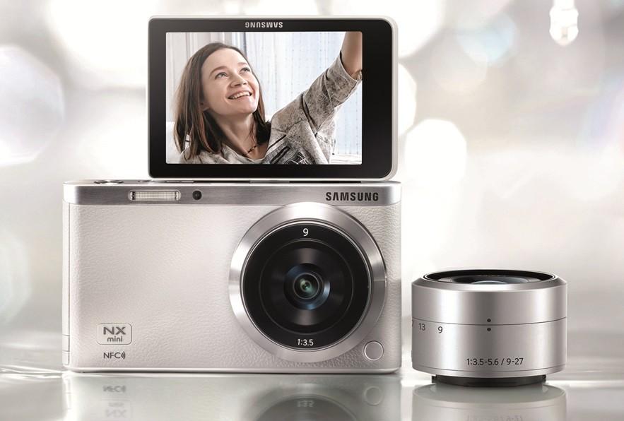 Компания Samsung анонсировала сверхкомпактную беззеркальную камеру NX mini
