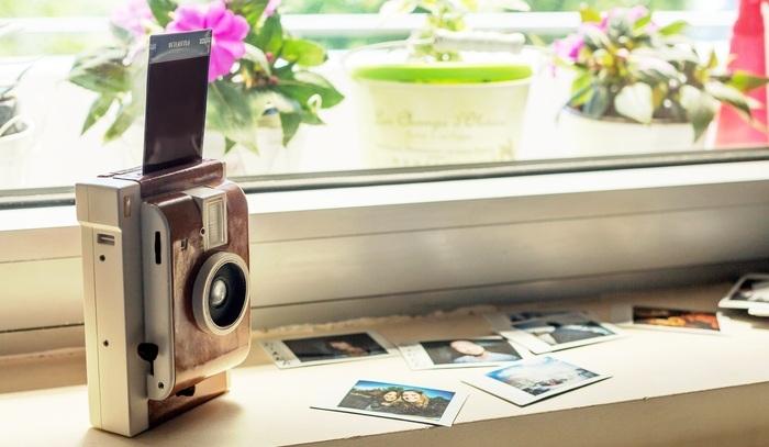 Компания Lomography представила проект компактного фотоаппарата Lomo'Instant