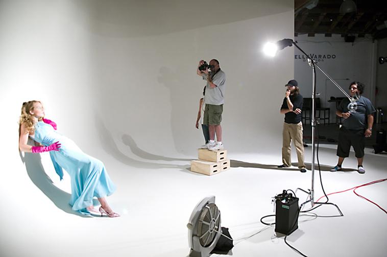 Подготовка фотостудии к съемки
