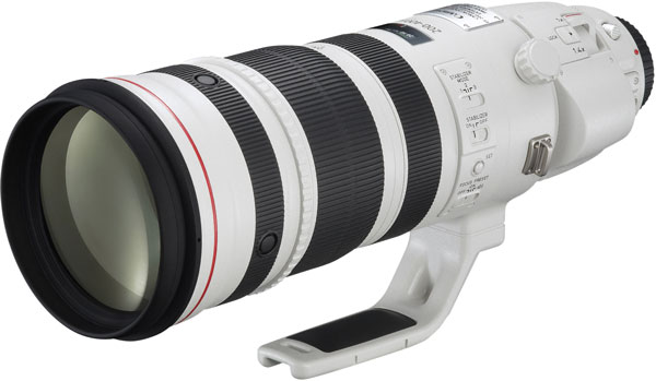 Canon завершила апрель 2014 года впечатляющим достижением:22 числа суммарный объем выпуска сменных объективов системы превысил 100 миллионов штук