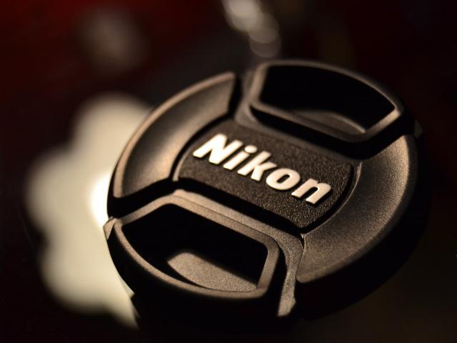 Nikon выпустит новую полнокадровую зеркальную камеру