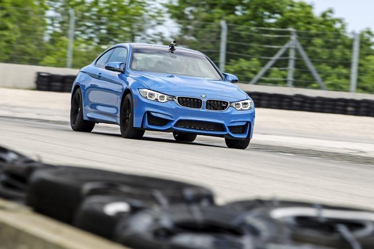 BMW показала системную поддержку камер GoPro