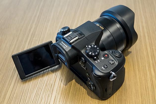 Panasonic представила «суперзум» Lumix FZ1000