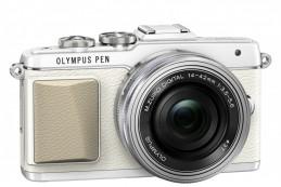 Olympus PEN E-PL7 поможет сделать удачное селфи
