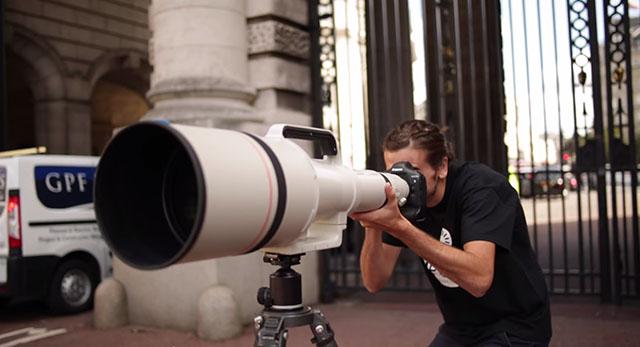 На прошлой неделе в продажу вышел огромный 1200-мм супертелеобъектив от Canon