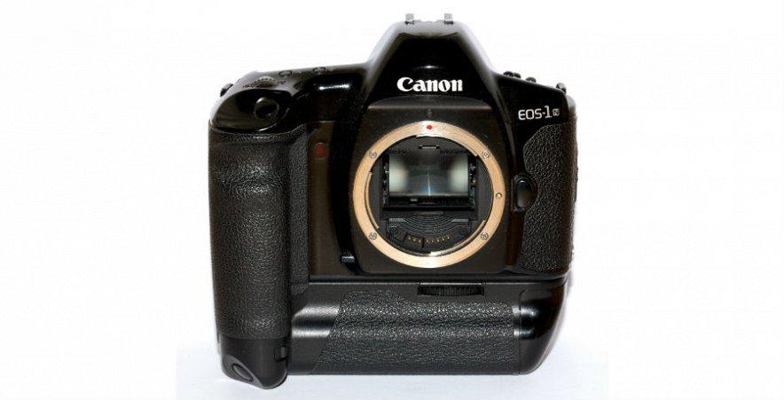 Компания Canon выпустит в 2015 году новую зеркальную камеру с бешеным разрешением 50 Мп