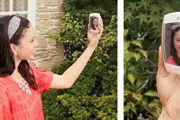 Компания Casio представила модель Exilim MR1, которая также называется Kawaii Selfie by Mirror Cam