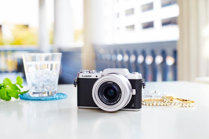Компания Panasonic пополнила серию компактных фотоаппаратов Lumix моделью DMC-GF7