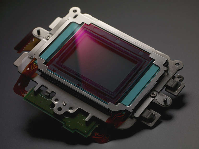 Революционный сенсор OV13880 для создания камер для смартфонов представила компания OmniVision