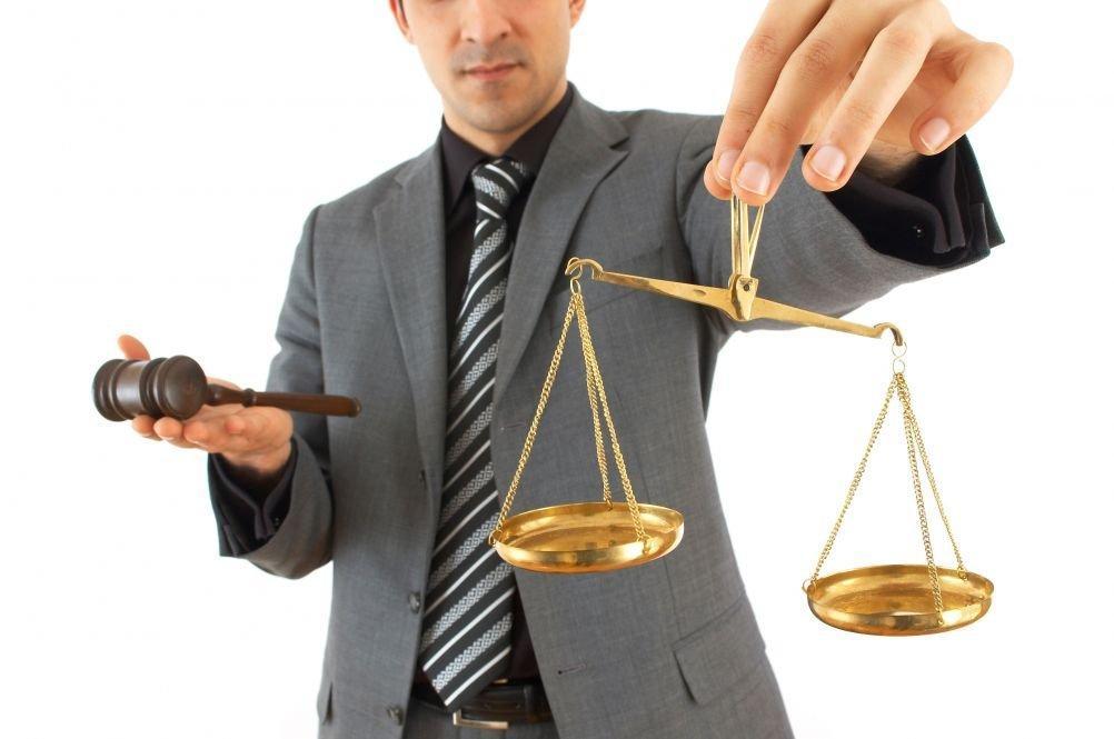Адвокат – кто он и какими обязанностями обладает?