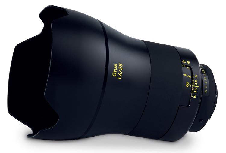 Компания Zeiss представила профессиональный широкоугольный объектив Otus 1.4/28