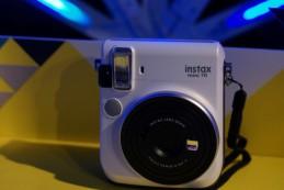 Fujifilm Instax mini 70: цена и «живые» фото