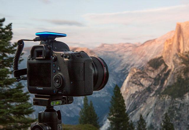 Pulse – новый аксессуар для фотокамеры, который позволяет вам работать с ней без проводов, используя смартфон