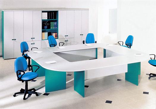По каким параметрам подбирается мебель для офисного персонала?