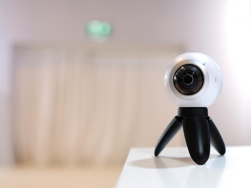 Samsung Electronics представила на открытии выставки MWC 2016 камеру для съемки панорамного видео на 360 градусов